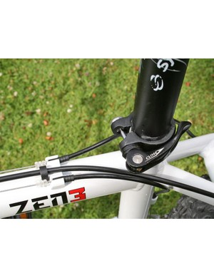 Zen 3 forward-facing seattube clamp