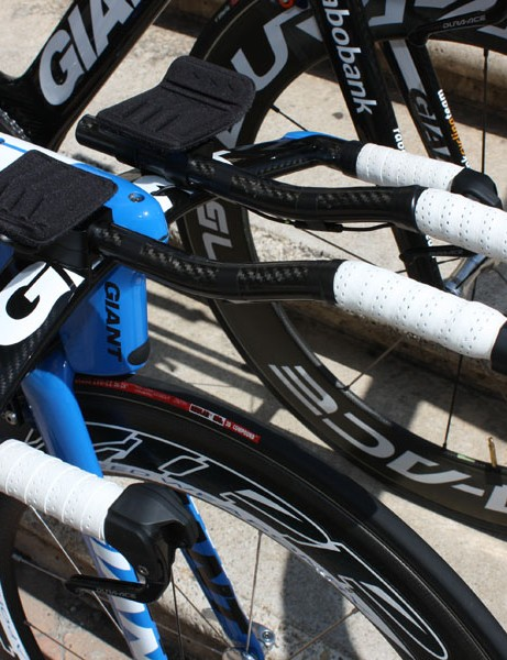 The integrated proprietary aero bars offer a multitude of adjustments to fine-tune the fit
