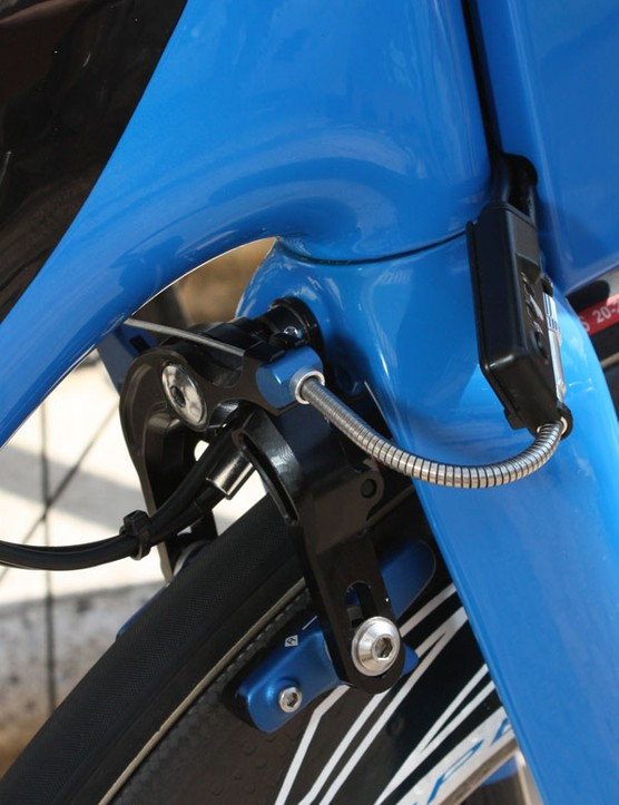 The profile of the proprietary front brake is perfectly matched to the contours of the fork crown so it is hidden from the wind
