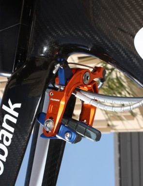 A short supplementary lever arm is used on both brakes to amplify power