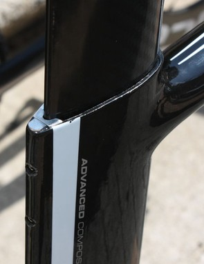 The 'reverse ISP' seatpost design doesn't rely on a clamp to fix its position so only a very minimal one is used here to eliminate play. A moulded rubber cap will seal things up and provide a nicely finished appearance