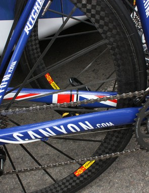 Evans' Canyon uses the increasingly common design theme of chunky chain stays paired to spindly seat stays.