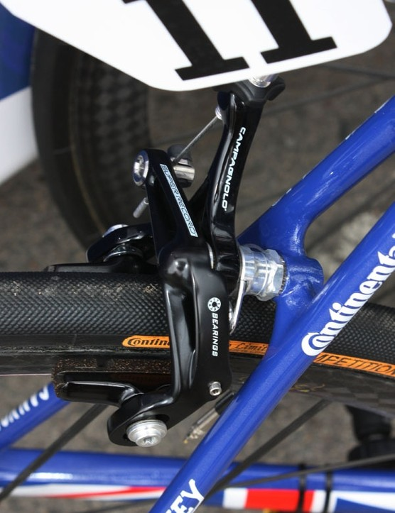 The rear brake is fitted with Campagnolo carbon-specific cork pads.
