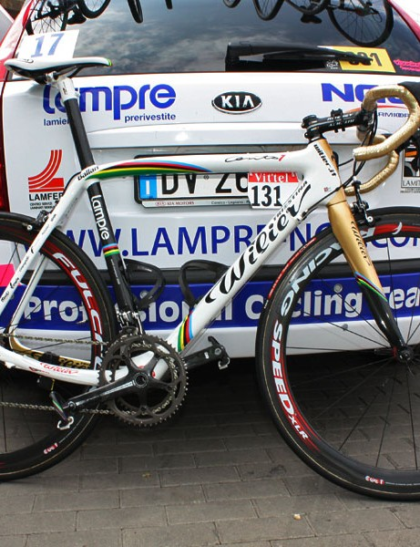 Current road world champion Alessandro Ballan (Lampre) is using this custom painted Wilier Cento 1 SL in this year's Tour de France.