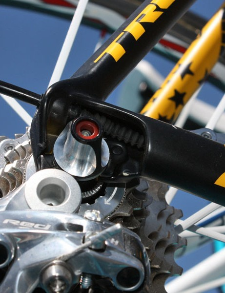 A Gore 'grub' seal protects about the only part of the rear derailleur cable that would normally sit unprotected with the new Madone's now-internal routing.