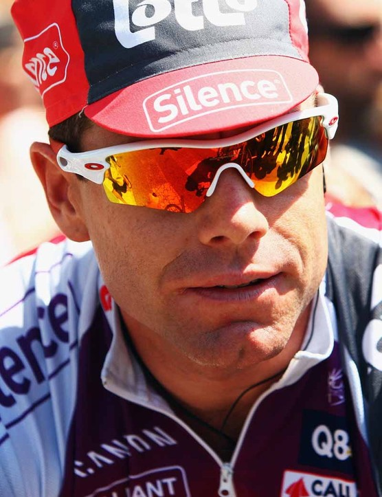 Cadel Evans needs to wait to attack, says Lance Armstrong