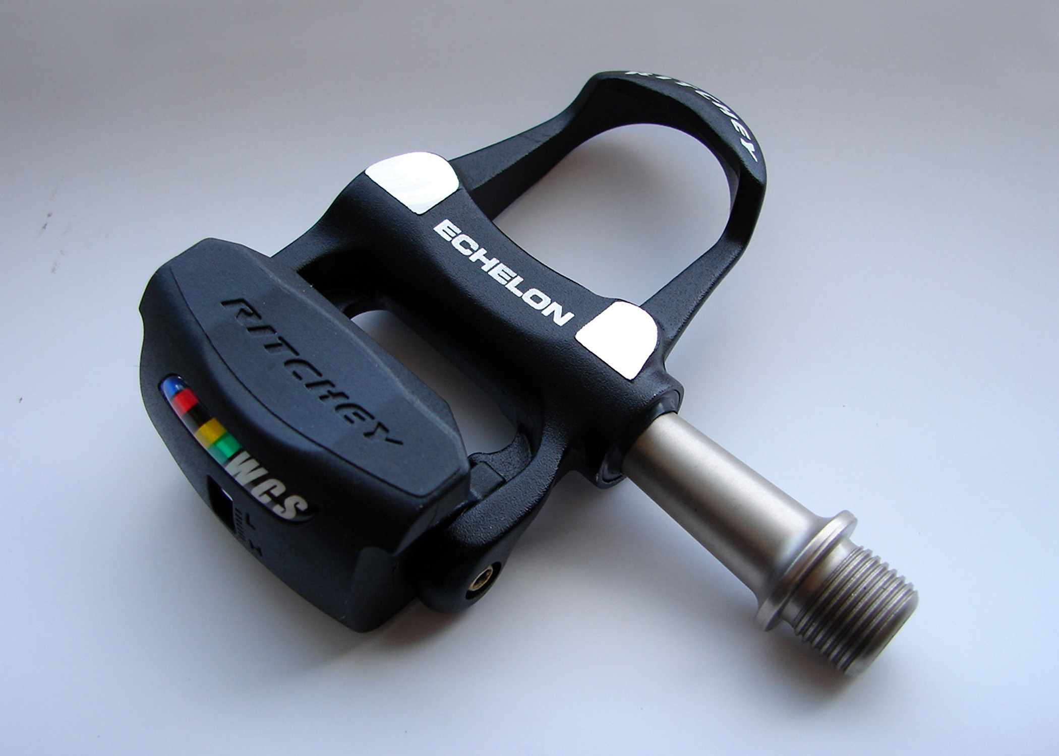 Ritchey's 233g WCS Echelon low-profile road pedals.