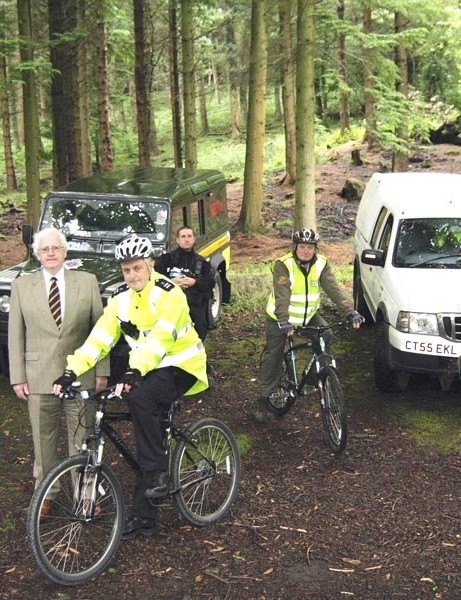 [from left to right] Peter Cloke (Forestry Commission Wales), Cllr Ali Thomas (Leader Neath Port Talbot County Borough Council), Phil Wall (Special Constable for Afan Forest Park) PC Andrew Scourfield (Forest Crime Officer), Nick Murfin (Ranger – Afan Forest Park), Dick Wagstaff (Managing Ranger – Afan Forest Park)