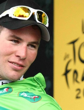 Mark Cavendish won his fourth stage of the 2009 Tour, regaining the gren jersey to boot.