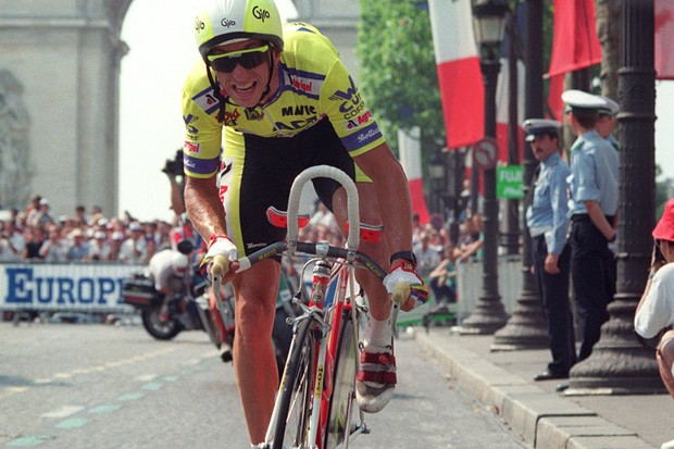 Greg Lemond sprints down the Champs Elysees at the end of the 76th Tour de France in 1989