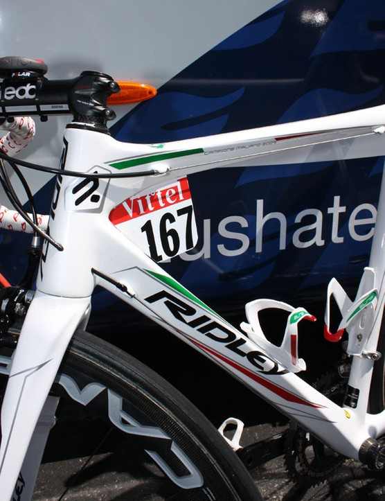 Pozzato's custom finished Ridley Damocles Pi is covered in an unusually subtle white, green and red to celebrate his win at the Italian national championships last month.