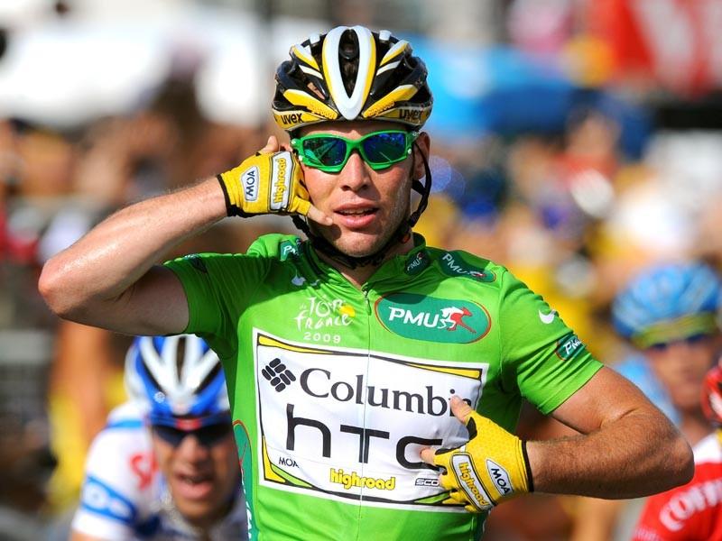Mark Cavendish celebrates his stage 3 win
