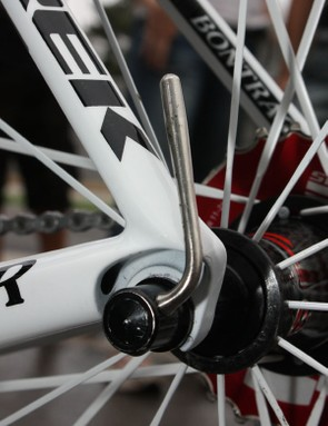 Trek continues to use aluminium dropouts rather than carbon fiber, citing their supposedly better durability.