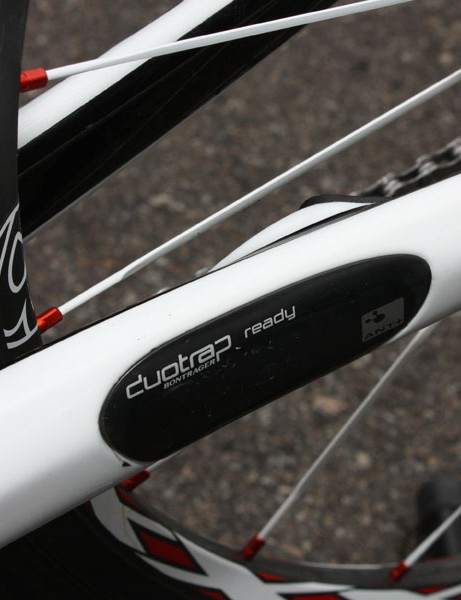 The new 6 Series Madone can accept the clever DuoTrap integrated speed and cadence wireless sensor and transmitter but Contador has opted to go without.