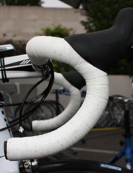 Contador prefers the versatile VR bend of Bontrager's Race XXX Lite carbon bar.