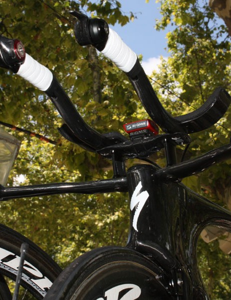 We can understand the UCI's concern in regards to how 'two-level' aerobars might be used but in reality, it'd be nearly impossible for a rider to place his elbows on the base bar underneath the arm rests and still be able to control the bike, at least when straight or s-bend extensions are used.
