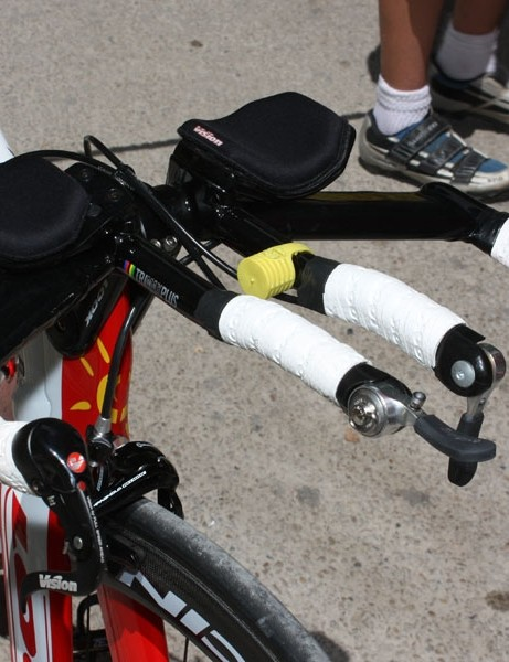 Setups of this type are remarkably common at this year's Tour de France with little - if any - height difference between the base bars and the extensions.