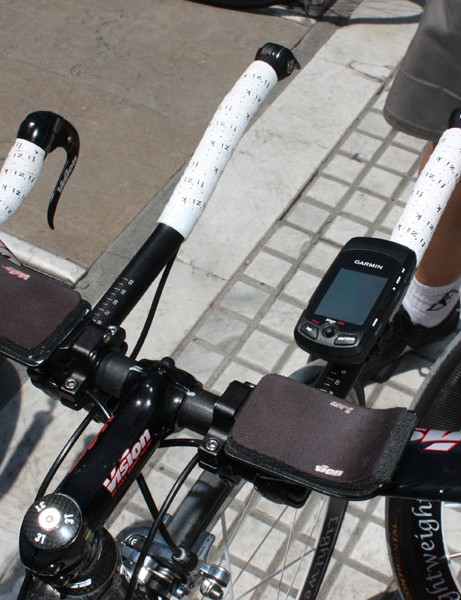This Milram aerobar setup looks to comfortably adhere to the UCI's 'two-level' bar rule but we're not sure how visible the Garmin Edge computer will be.