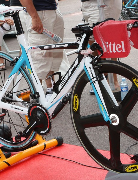 The Ag2r team is using BH time trial bikes - some with flat base bars and some with drop.