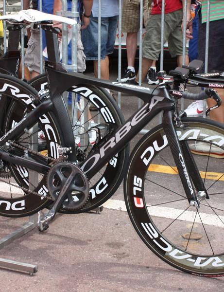 Euskaltel-Euskadi will use Orbea's striking Ordu carbon frame for the time trial around Lake Annecy.