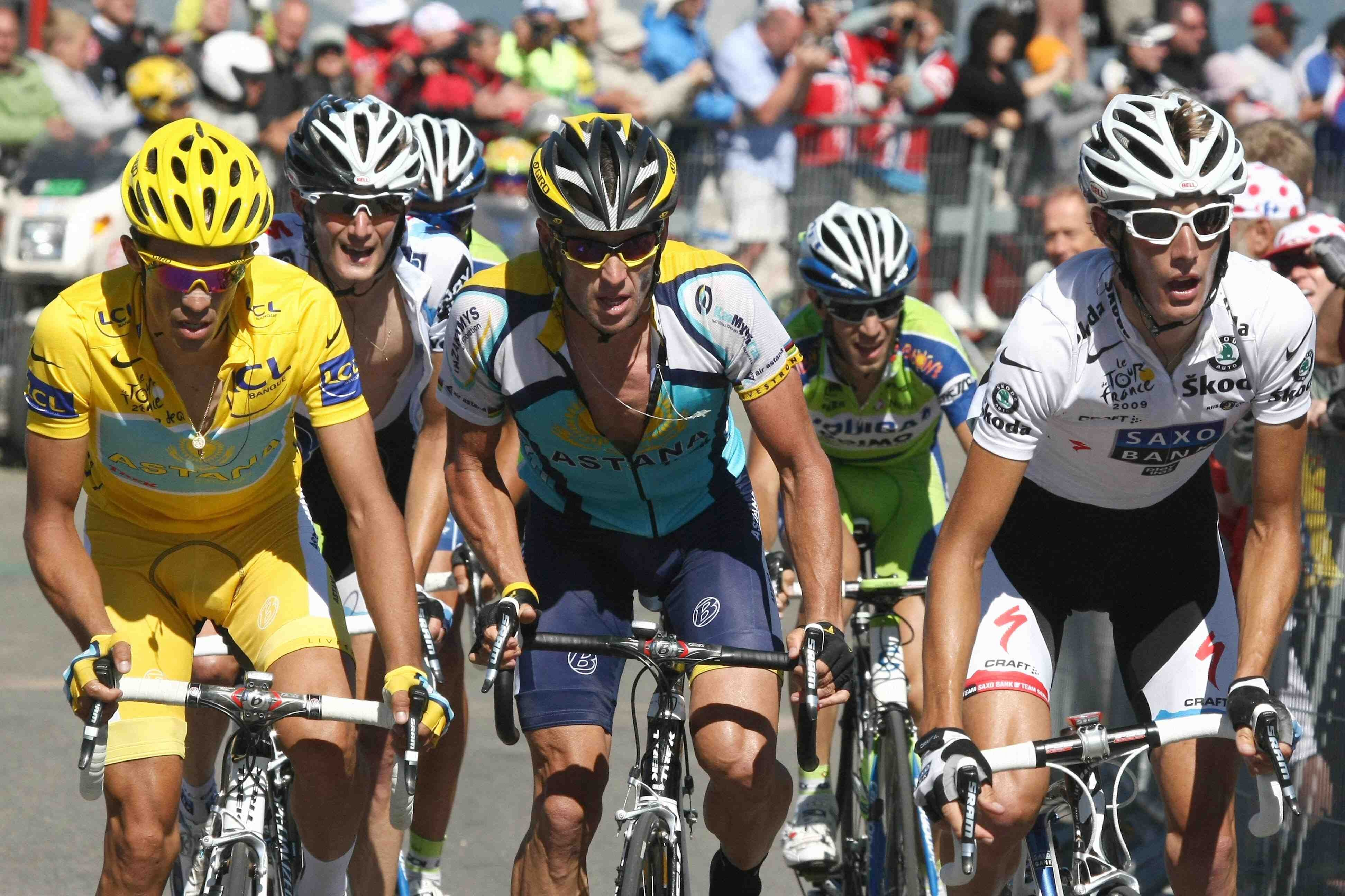 Lance Armstrong held pace with the climbers up Mt Ventoux Saturday.