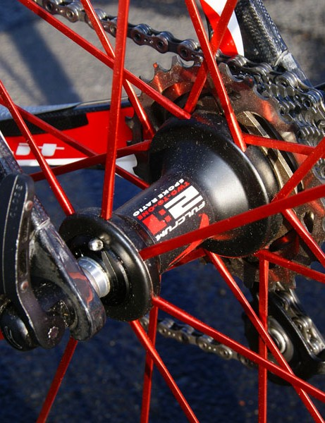 The rear hub features Fulcrum's trademark 2:1 spoke lacing pattern for more even tension