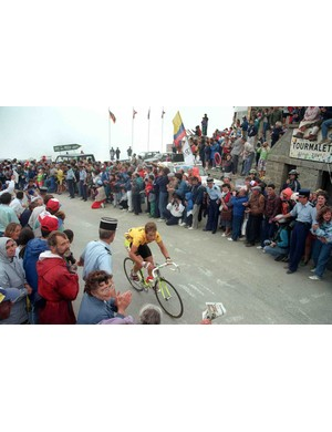 Greg LeMond in yellow during stage 10 of the 1989 Tour.