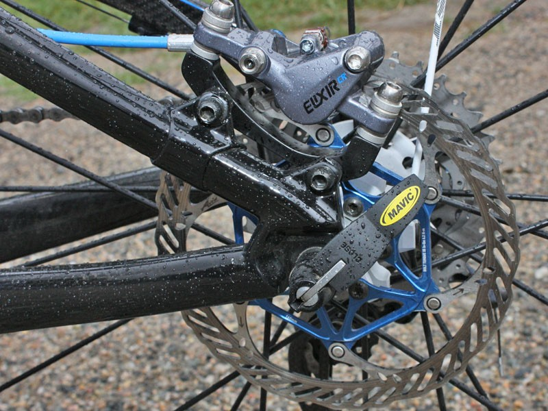 Aluminium disc tabs complement the mostly carbon fibre rear end