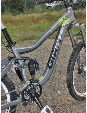 The S-bend hydroformed aluminium down tube still leaves enough room for a standard water bottle