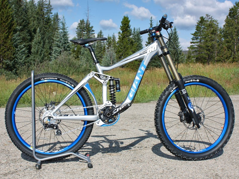 The new Giant Glory frame shaves an almost unbelievable 1.5kg (3.3lb) from last year's overbuilt version