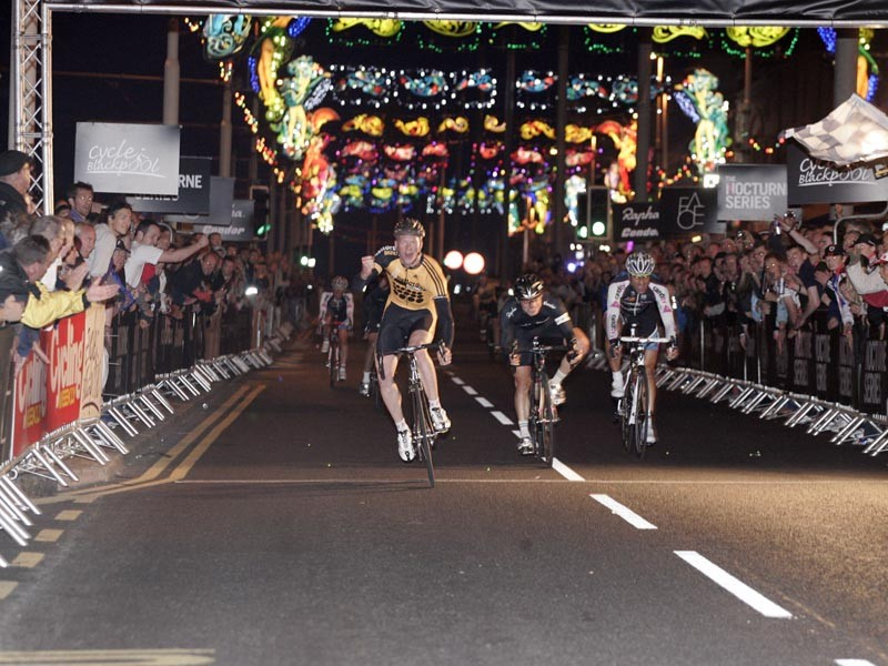 Ed Clancy wins Blackpool Nocturne road race