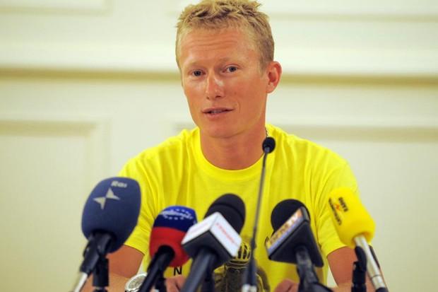 Vinokourov returning to racing after drugs ban