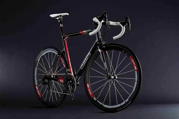 BMC's 2010 road range will be topped by a new Team Machine SLR01 with a claimed 860g weight and newly tapered front end.