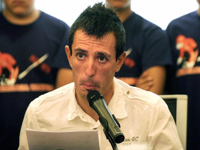 Cycling team Euskaltel-Euskadi's Spanish Mikel Astarloza gives a press conference on August 4, 2009 in the northern Spanish Basque city of San Sebastian