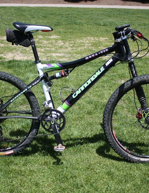 Tinker Juarez continues to tear up the endurance racing scene aboard his Cannondale Scalpel Team