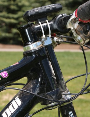 The Cannondale XC3 stem integrates the steerer tube for reduced weight