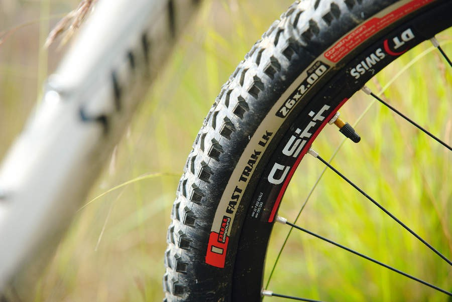 The Fast Trak treads fitted to the Rockhopper Pro are good all-rounders ideally suited to a bike that'll split its time between road and trail use