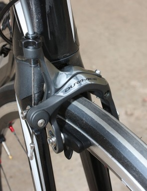 The Dura-Ace Di2 levers use the same cable pull ratio as on the standard 7900 group, thus providing the same phenomenal braking performance