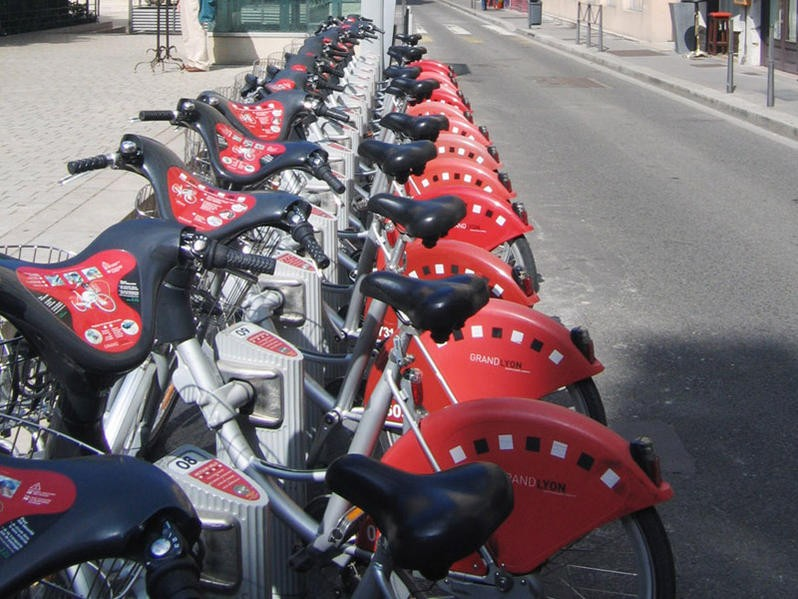 A bike hire project similar to the London scheme is already very popular in Lyons
