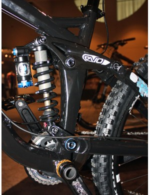 The hydroformed seat tube on the Scratch will house both the upper and lower suspension pivots without the need to weld on additional bits.