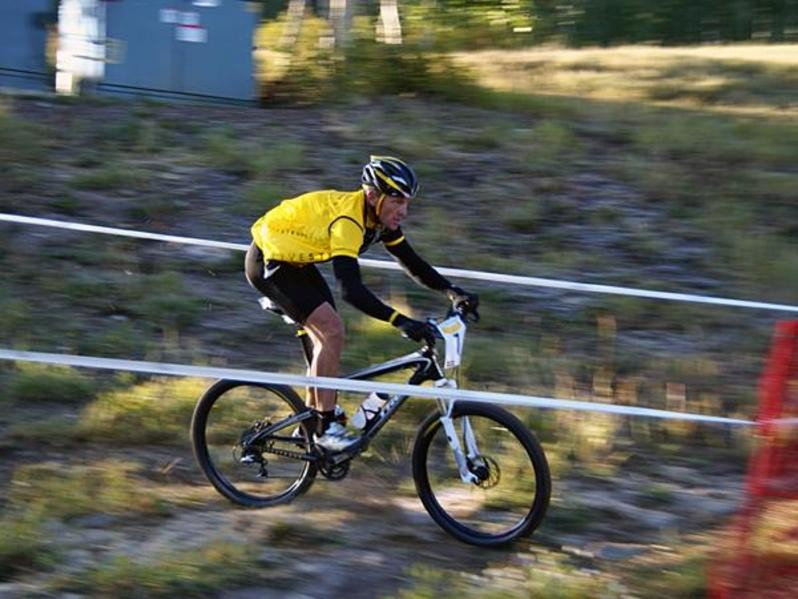 Lance Armstrong in action off road