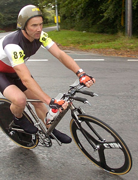 Andy Wilkinson en route to breaking the UK 12 hr record in the national championships in Shropshire
