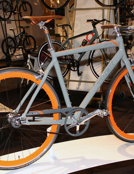 The District features a maintenance-free belt drive and colour-matched components