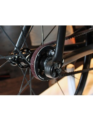 The District Carbon's eccentric dropouts are adapted from Trek's ABP mountain bike bits