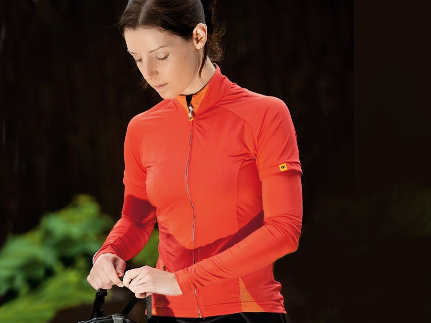 A versatile riding top from Mavic