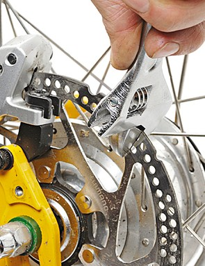 Step-by-step guide to quiet disc braking
