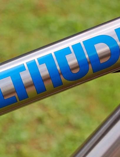 Altitude Ti top tube