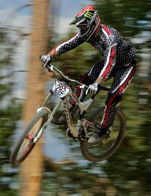 Downhill racing legend Shaun Palmer has signed with Intense