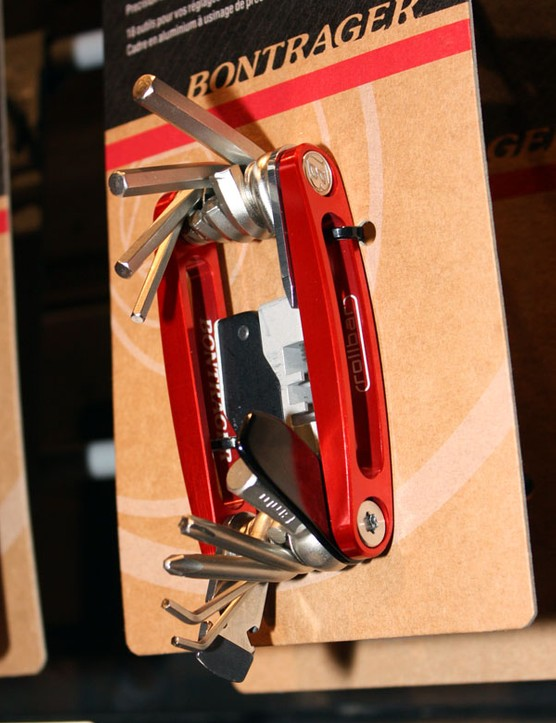 The Bontrager Rollbar 18 mini-tool includes all the usual essentials plus other handy bits like a disc brake pad spreader, chain link storage pocket and built-in tyre lever