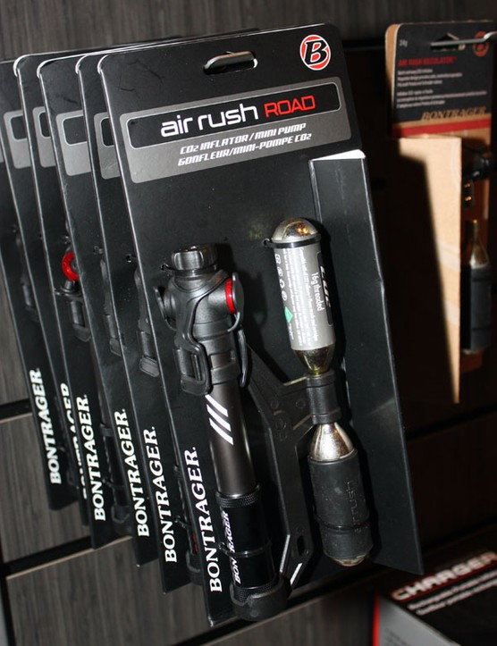 The Bontrager Air Rush Road combines a threaded CO2 inflator head and mini-pump in one compact body
